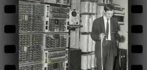 أول جهاز حاسوب في العالم